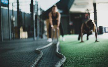 Un entrainement sportif avec des cordes