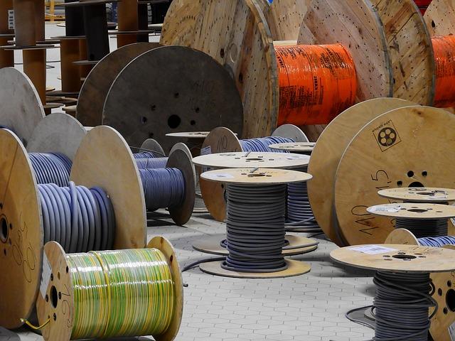 extraire cuivre, rouleau de câbles
